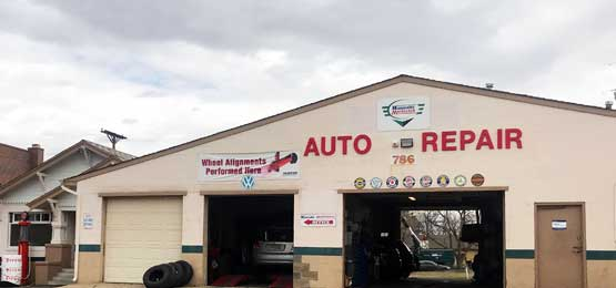 auto repair customer and mechanic